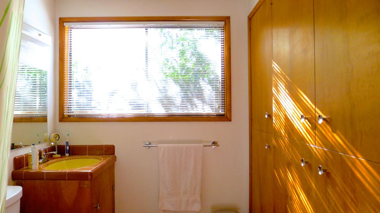Hofler bathroom
