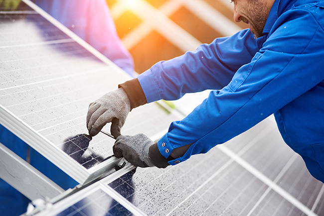 installing solar panels on hotel roof - hospitality industry trends