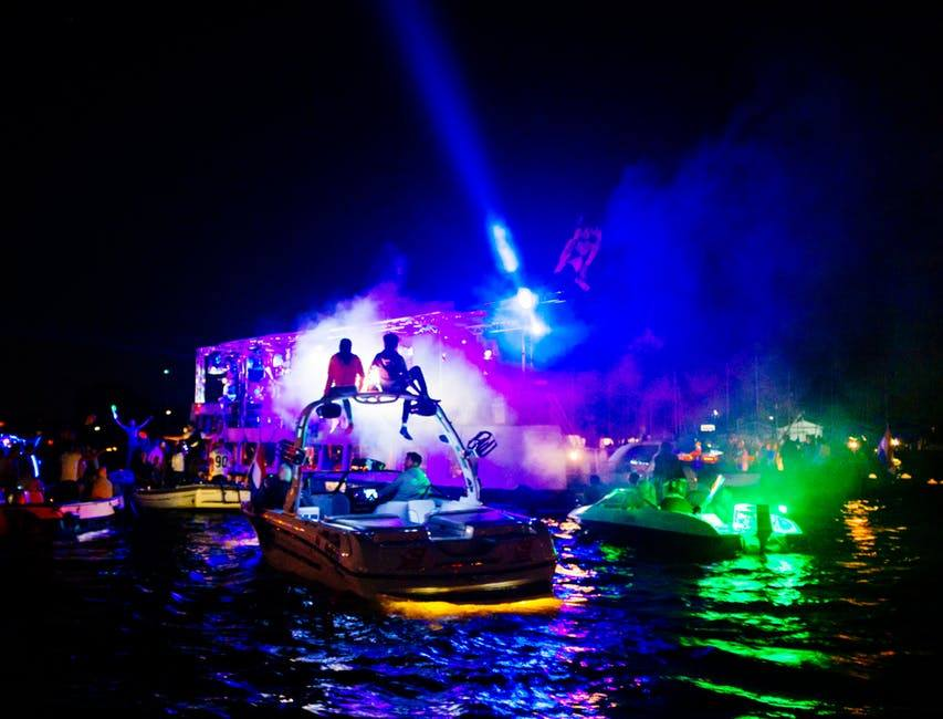 water with boats of loud music and parties how to file a noise complaint